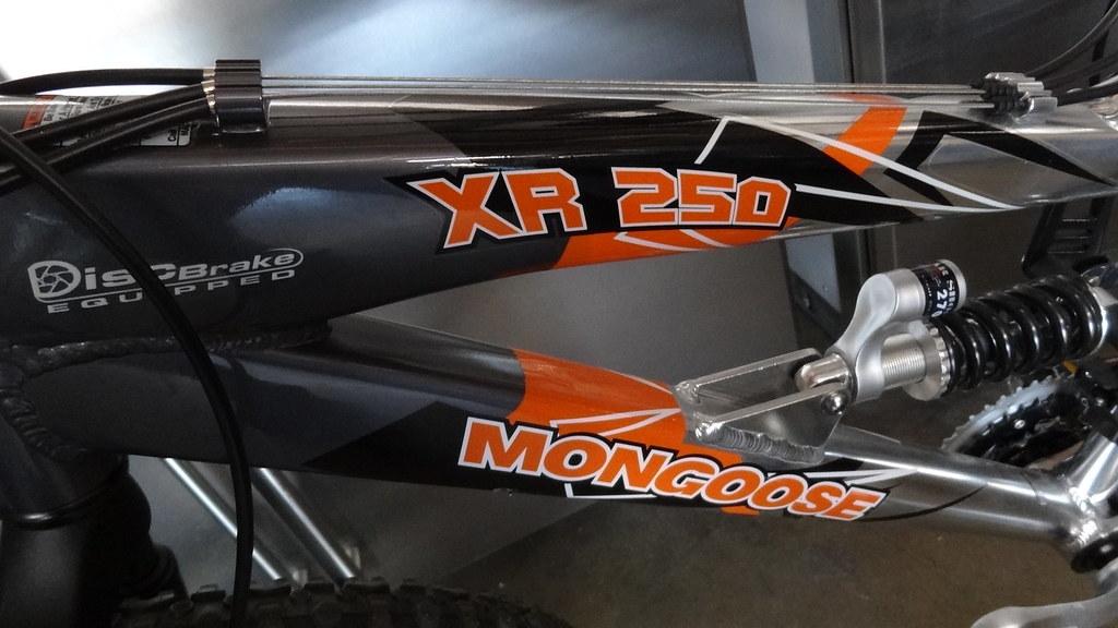 Mongoose mountain bikes full suspension