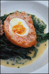 6724426141 f891e8c21b m Scotch egg au saumon, sauce au beurre blanc