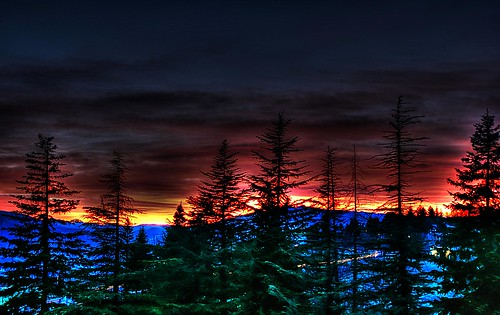 montagne tramonto rosso hdr