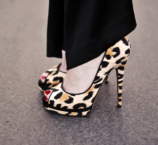 leopard  print  peep  toe  stiletto  heels shoes