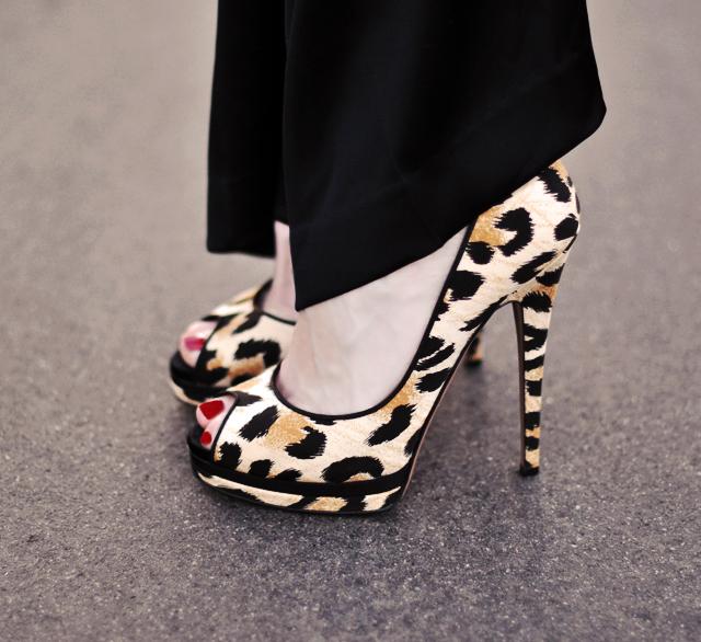 leopard  print  peep  toe  stiletto  heels shoes
