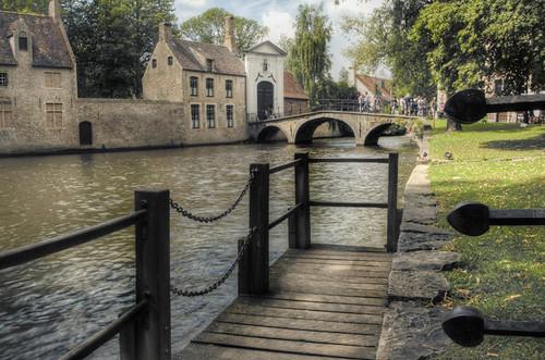 Little dock. Brugges. Pequeño embarcadero