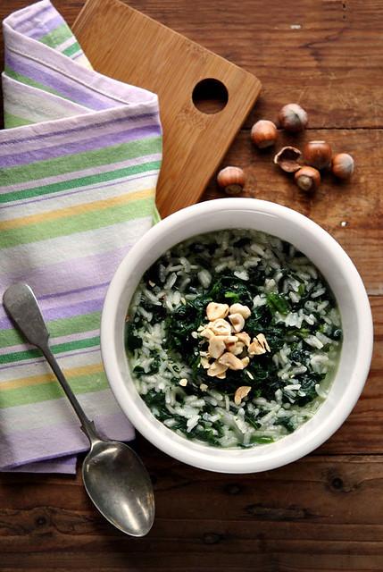 Risotto con spinaci brie e nocciole