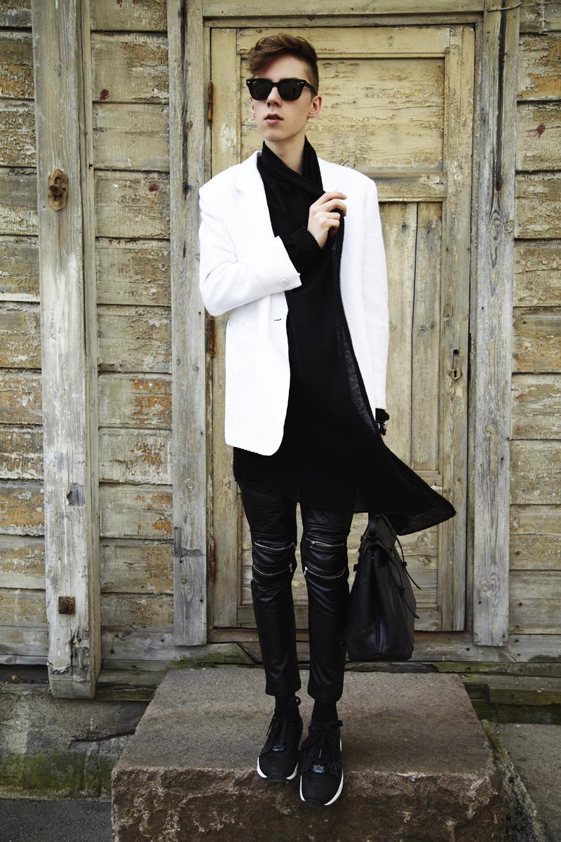 mikkoputtonen_blog_outfit_blackandwhite_eastdane_puma_mcving_bag_rayban_meteor_sunglasses_web