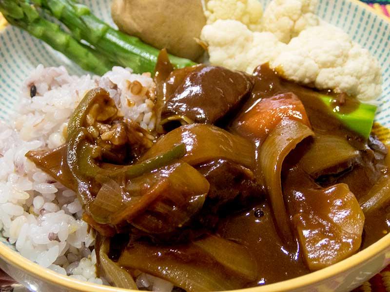 ハヤシライスと野菜