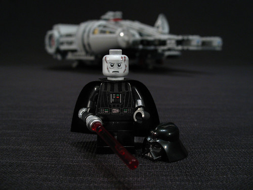 7965 Millennium Falcon Review: Vader 1