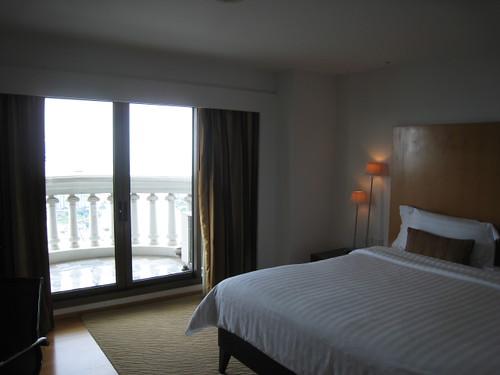 LE BUA room5