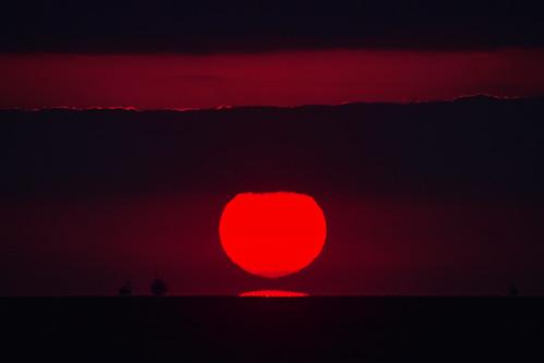 [フリー画像素材] 自然風景, 空, 朝焼け・夕焼け, 水平線, 太陽, 風景 - 日本 ID:201112092000