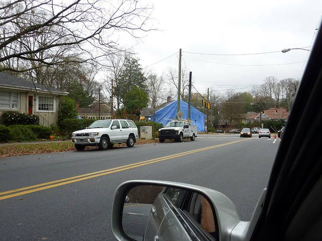 P1020937-2011-12-06-1325 NORTH-HIGHLAND-poptop-demo-blue-tarp