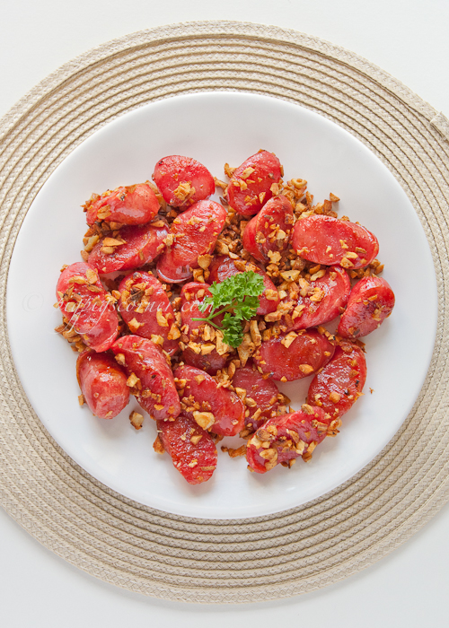Taiwanese Sausage with Garlic 台式香腸炒蒜