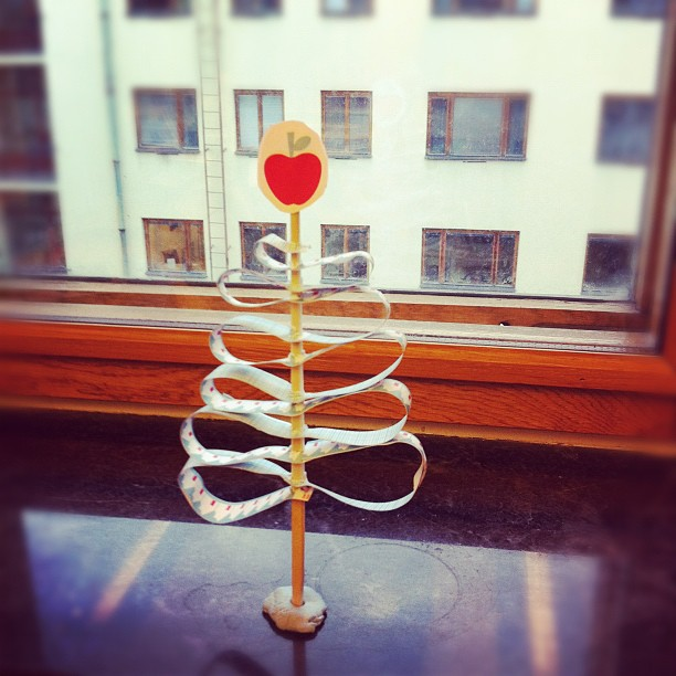 Mi arbolito navideño en la oficina