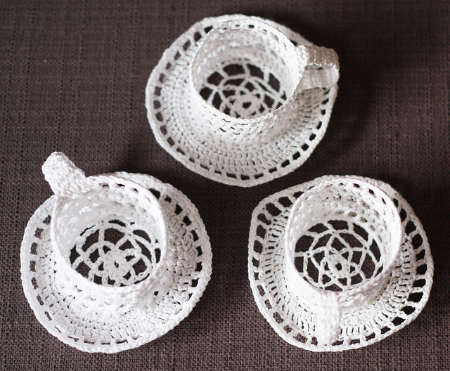 crocheted tea cups