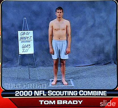 Tom-Brady-NFL-draft-año-2000