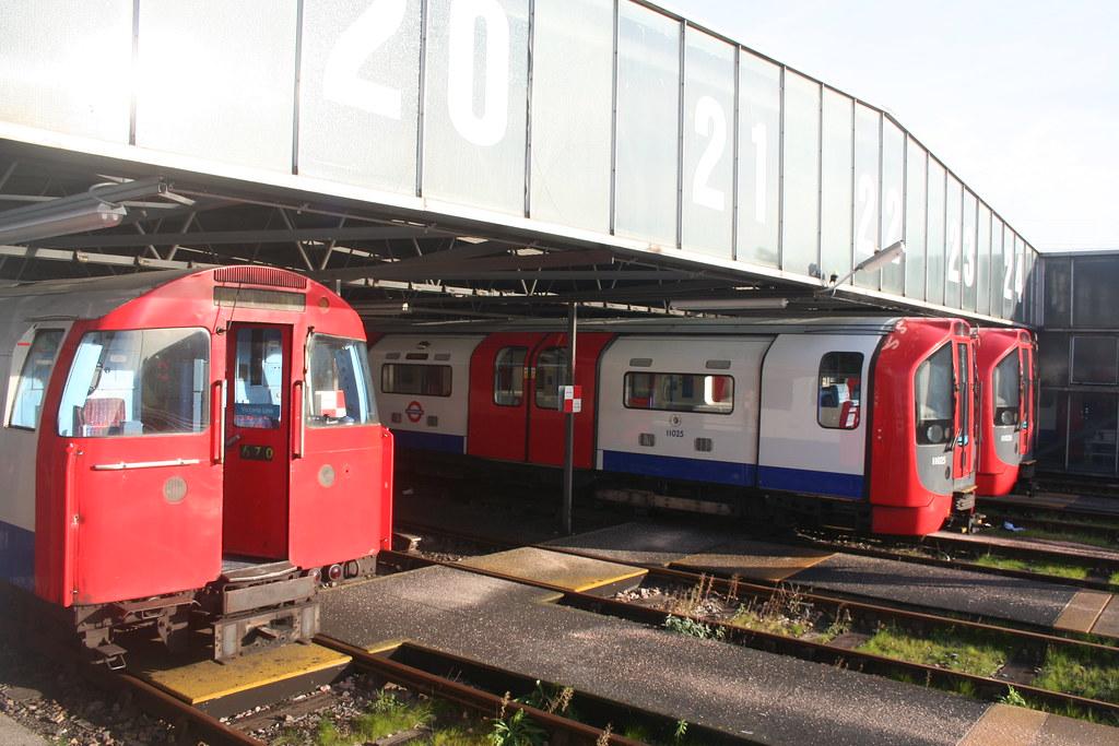 6493590775 fcc4d5847d b - The Victoria Line's really big 50th birthday! #2