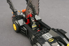 6864 The Batmobile and the Two-Face Chase - Batmobile 12
