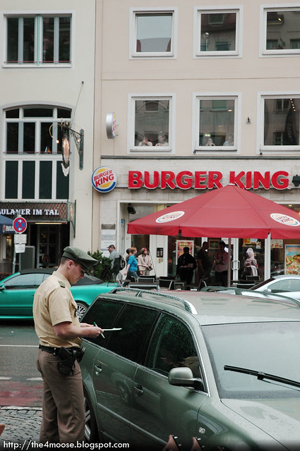 Giving out Summons, Munich