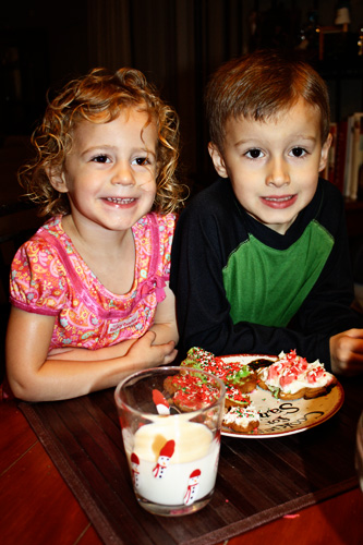 Kids-with-cookies-for-santa