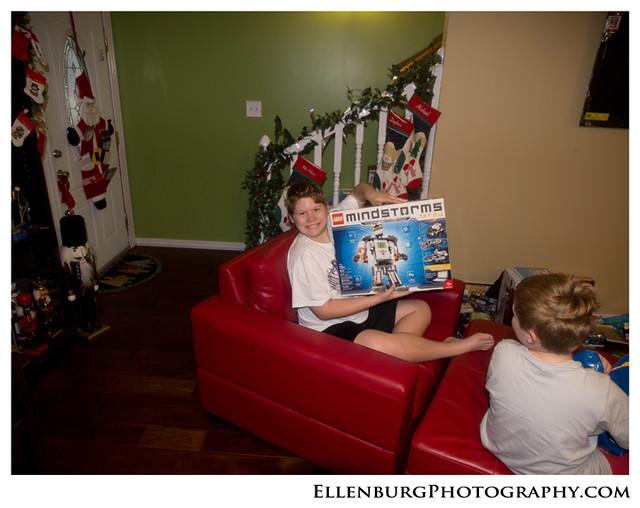 fb 11-12-25 Christmas-47