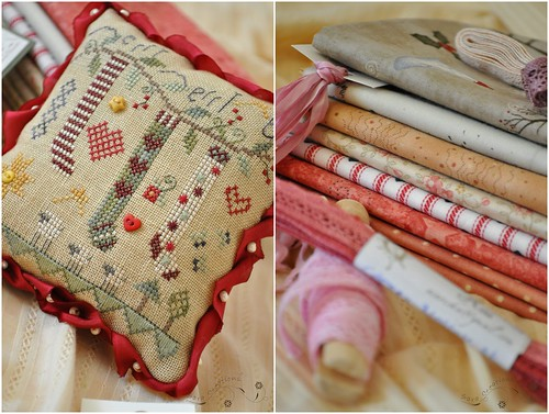 Christmas pillow and fabrics - pernuta Craciun si materiale