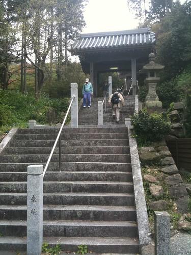 鎮国寺の階段