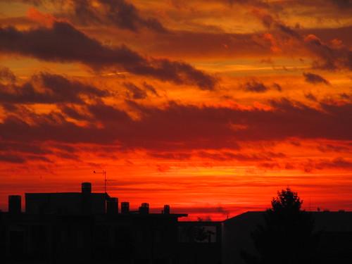 red sky clouds sunrise nuvole alba cielo sole rosso