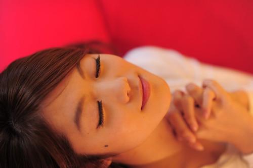 無料写真素材|人物|女性アジア|祈る|人物目を閉じる|ボディーパーツ顔