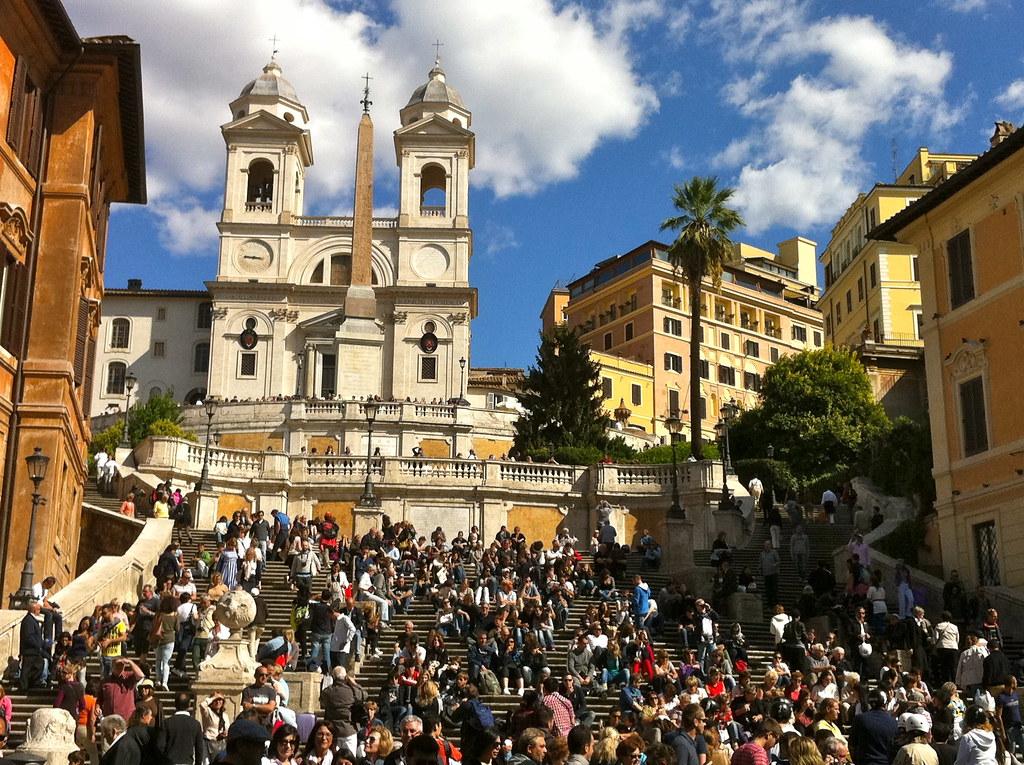Como es la Plaza de España en Roma