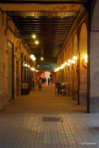 Porches en la Plaza del Castillo junto al Café Iruña.