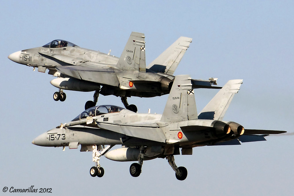 EF-18A(M) C.15-24 + EF-18B(M) CE.15-4