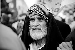 Protester متظاهر أمام مجلس الشعب