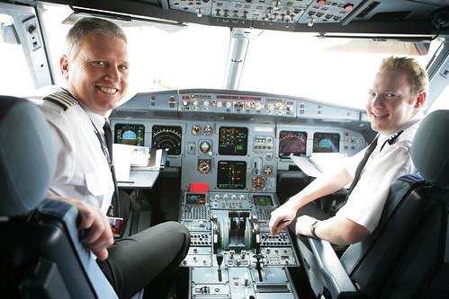 Jetstar pilots in A320 flight deck