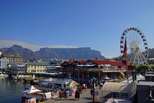 V & A Waterfront and Table Mountain
