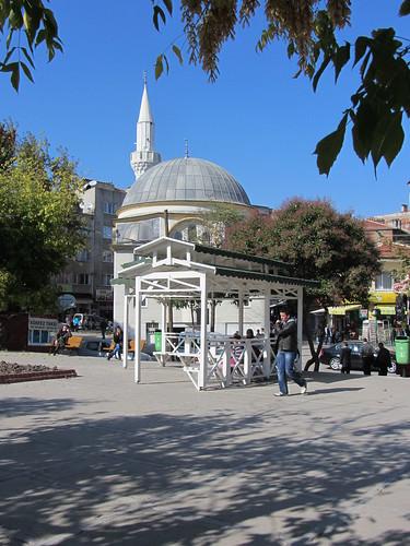 Balikesir: white mosque (2)