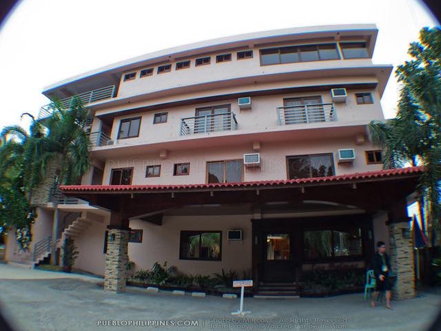 Las Palmas Resort - Tuguegarao City - Cagayan Province, Philippines (062853 - 120124)