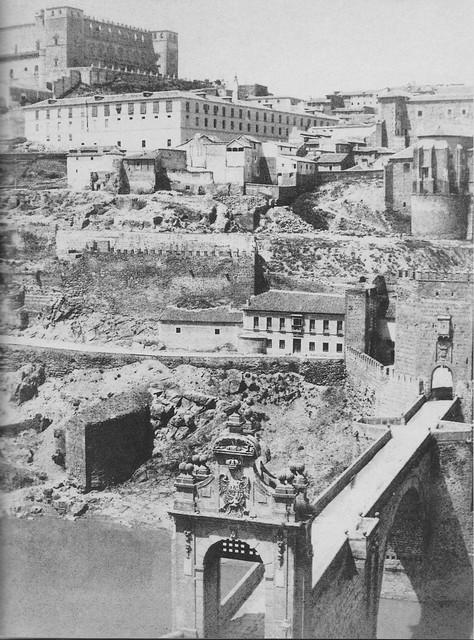 Puente de Alcántara en 1863. Fotografía de Ernest Lamy