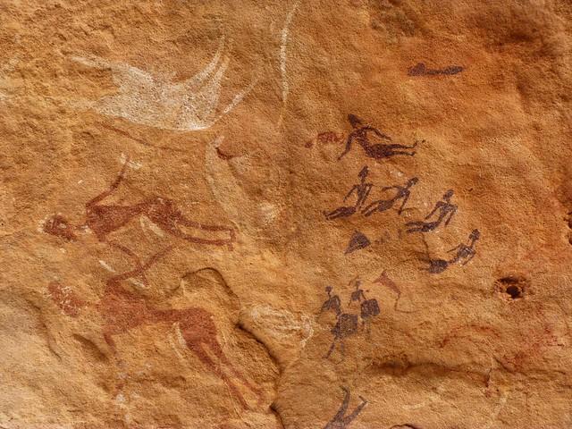 Pinturas rupestres en Jebel Uweinat (Desierto Líbico, Egipto)