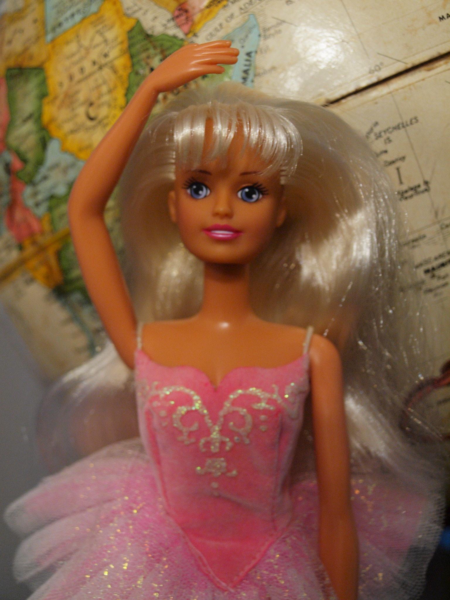 1995 Hasbro Pirouette Sindy