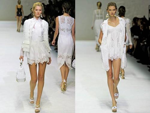 monos-playsuit-encaje-blanco-Dolce-Gabbana