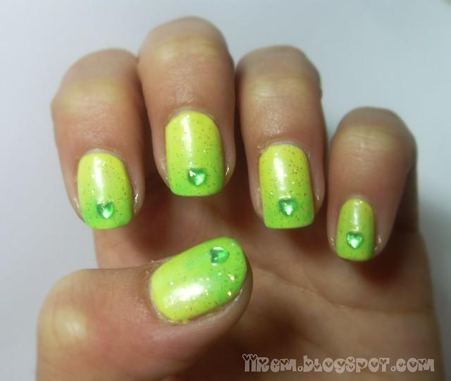 Yeşil Geçişli Tırnaklar