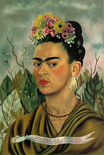 Painted portrait of Frida Kahlo looking sidelong to the right and wearing a necklace made of thorns