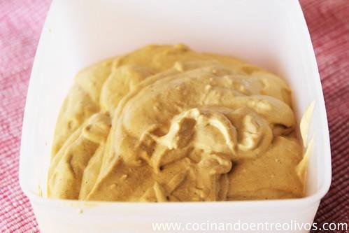 Cornetes de hojaldre rellenos de paté de mejillones (4)
