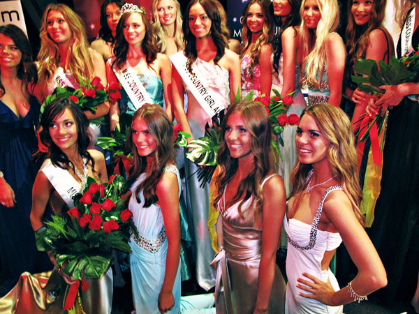Winners Group Photograph, Woman's Day Miss Country Girl Australia 2011 _391
