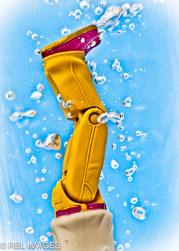 feet water toy shoes legs bubbles diving yellowpants redbelt flickrchallengegroup