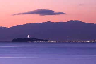 Light on Enoshima / 江ノ島の灯り