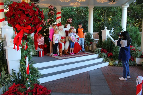 Santa and Mrs. Claus in American Adventure