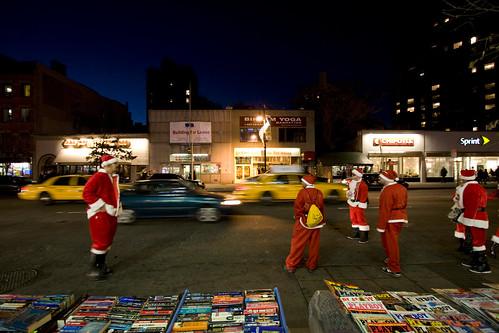 Pères Noel dans la rue