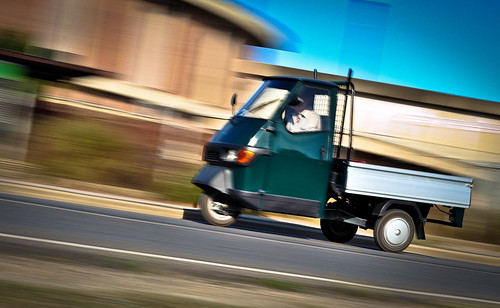 ape piaggio panning shot by davide030579