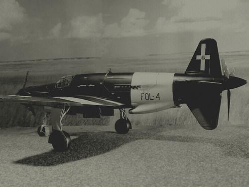 "Opération ""Kill the King"" [ Arado Ar. E.555 Revell 1/72 ] 6601958015_3be43fbbf0"