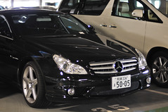 mercedes-benz w212(0.0), mercedes-benz r-class(0.0), mercedes-benz e-class(0.0), mercedes-benz c-class(0.0), automobile(1.0), automotive exterior(1.0), wheel(1.0), vehicle(1.0), automotive design(1.0), mercedes-benz w219(1.0), mercedes-benz(1.0), rim(1.0), mercedes-benz cl-class(1.0), compact car(1.0), bumper(1.0), mercedes-benz cls-class(1.0), personal luxury car(1.0), land vehicle(1.0), luxury vehicle(1.0),