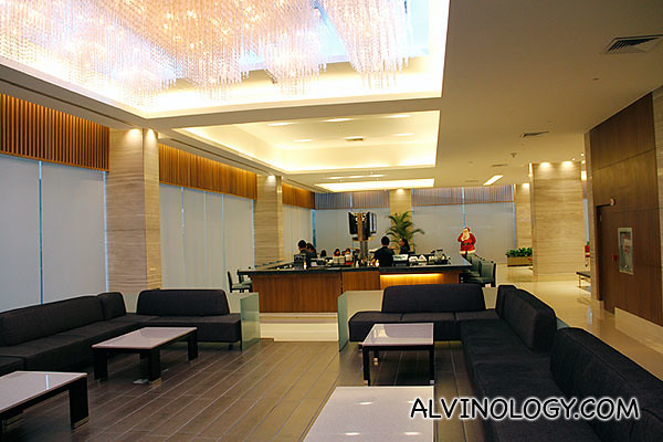 Cosy bar and reception area in the lobby